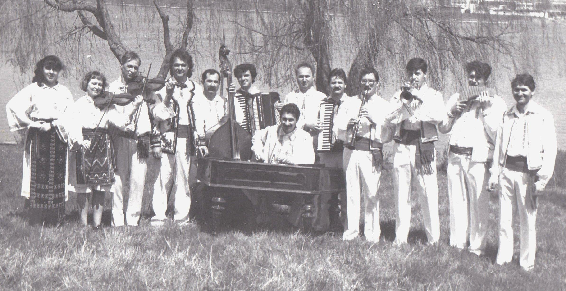 """2. Deja istorie: prima componența a Orchestrei Ansamblului """"Baladele Deltei""""!"""