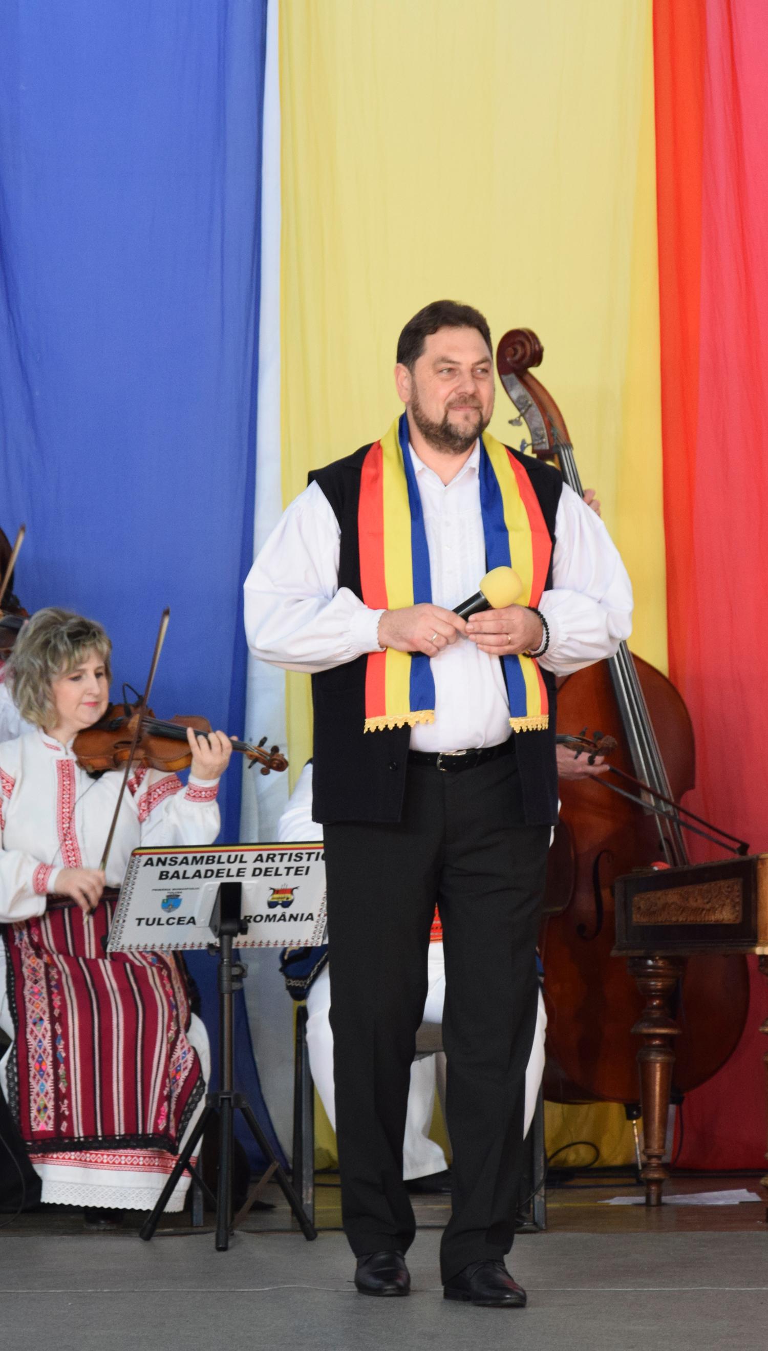 Cel care a încheiat spectacolul, părintele Marius Ciprian Pop, a produs, la rândul său celor prezenți o impresie de neuitat!