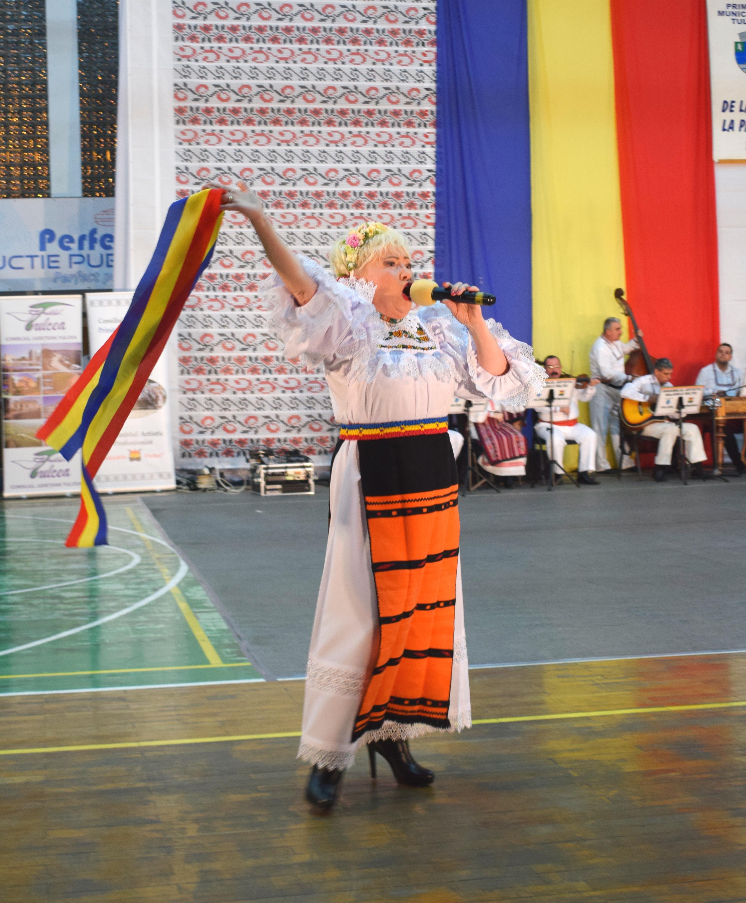 """Tricolorul și Sava Negrean Brudașcu au raspuns la chemarea Ansamblului Artistic Profesionist """"Baladele Deltei""""! La Mulți Ani, România!"""
