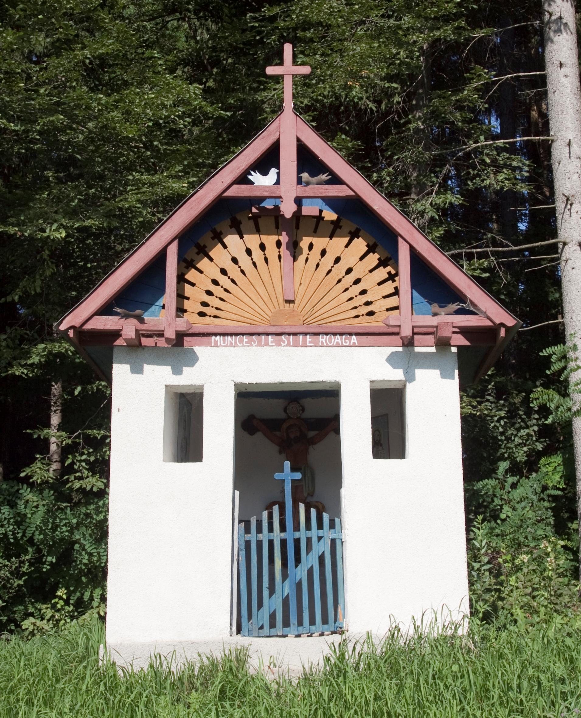 3.Troiță ca pom al Raiului, cu cele două păsărele, lângă localitatea Stoiceni, Județul Maramureș.