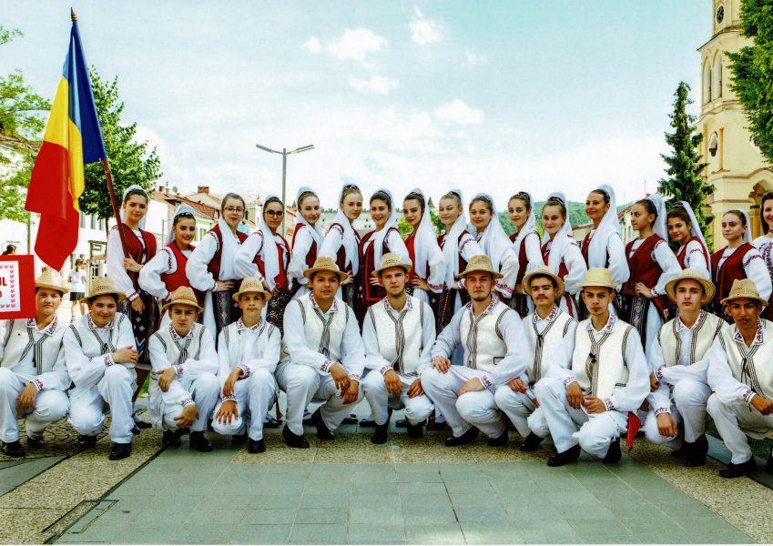 """""""Dorulețul"""" prezintă folclorul dobrogean în Serbia"""